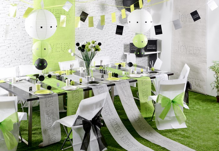 d coration de table sur le th me joyeux anniversaire. Black Bedroom Furniture Sets. Home Design Ideas